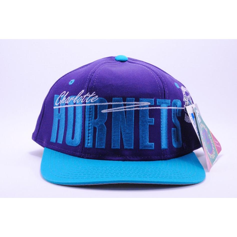 Cappello Vintage Charlotte Hornets NBA - CAPPELLI - ACCESSORI cd0c5a702d48